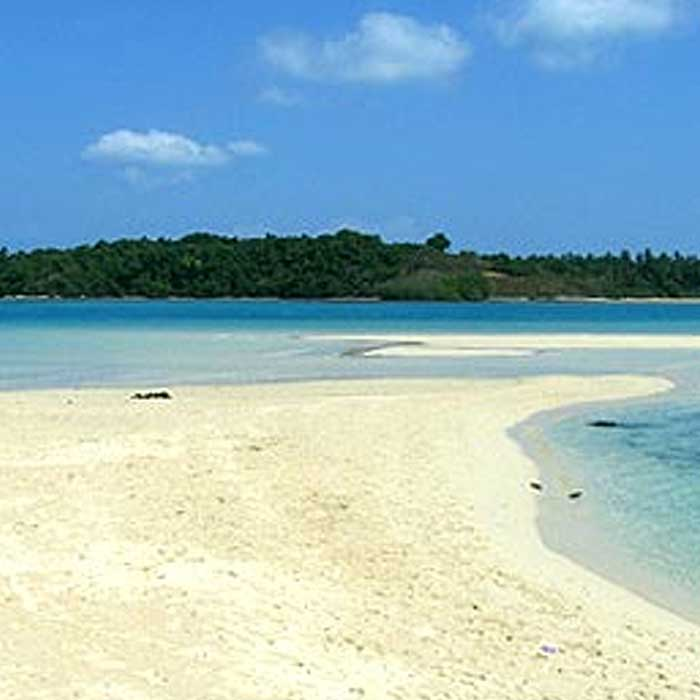 The Koh Kham Islands are nearby situated of Koh Phayam and Koh Chang Island.